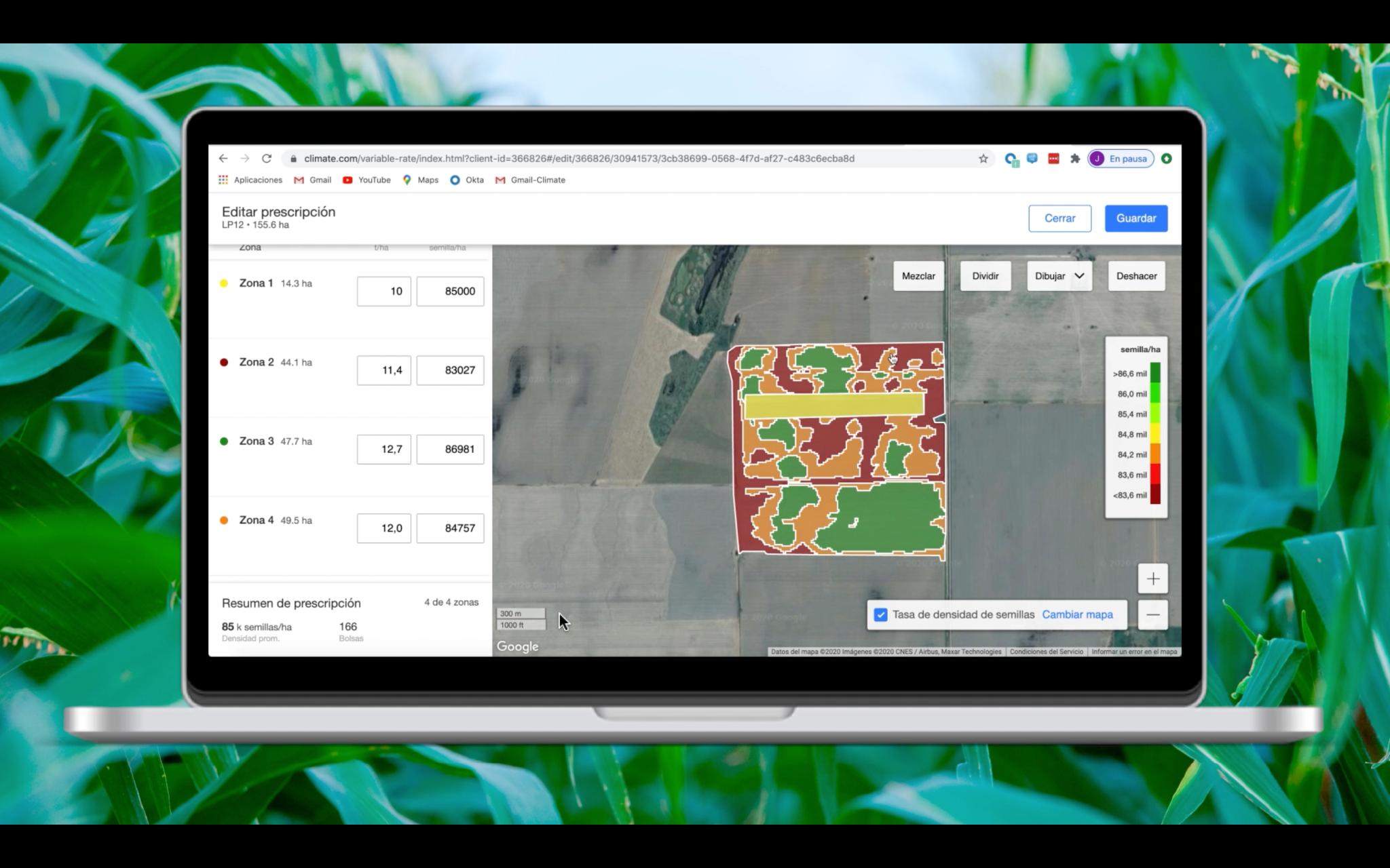 En el fondo hojas verdes. Centrado, una imagen de una computadora abierta, y en la pantalla la imagen de la página FieldView con el Paso de edición. A la derecha, en la pantalla, un mapa de calor de una plantación.